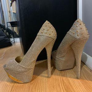Spiked platform heels
